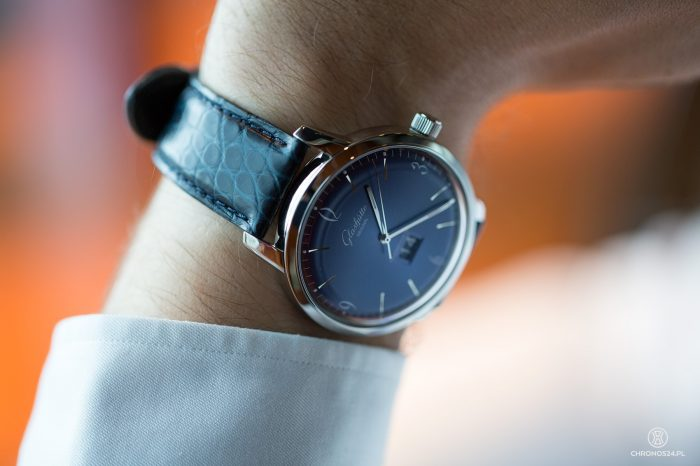 Review Glashütte Original Sixties Panorama Date [live pics, video, price]