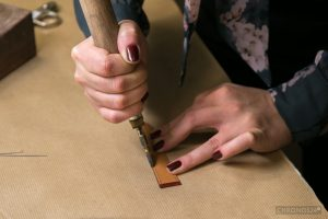 Sealing of the side surface of the strap