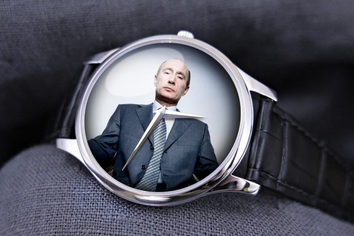 Timebloid 5 watches of Vladimir Putin exceeding his official annual salary